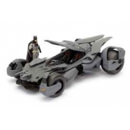 Batman Vs Superman - Réplique 1/24 Batmobile 2016 métal avec figurine
