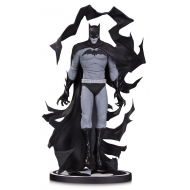 Batman Black & White - Statuette by Becky Cloonan 23 cm