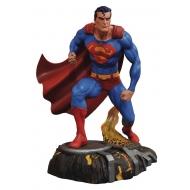 DC Gallery - Statuette Superman 25 cm