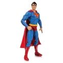 DC Essentials - Figurine Superman 17 cm