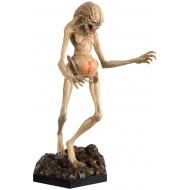 The Alien & Predator - Figurine Collection Newborn ( Resurrection) 18 cm