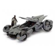 Batman Vs Superman - Réplique 1/24 Batmobile 2016 métal avec figurine