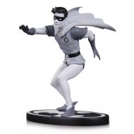 Batman - Statuette Black & White Robin by Carmine Infantino 15 cm
