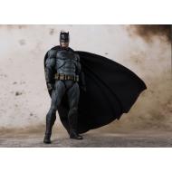 Batman - Figurine S.H. Figuarts 15 cm