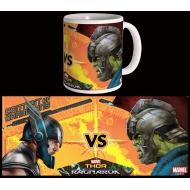 Thor Ragnarok - Mug Versus