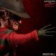 Freddy Les Griffes de la nuit - Poupée sonore Freddy Krueger 25 cm