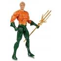 DC Essentials - Figurine Aquaman 17 cm