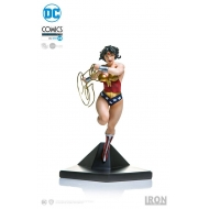 DC Comics - Statuette 1/10 Art Scale Wonder Woman by Ivan Reis 19 cm