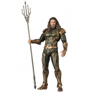Justice League - Figurine MAF EX Aquaman 16 cm