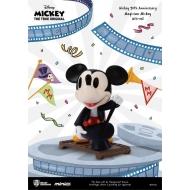 Disney - Figurine Mickey Mouse 90th Anniversary Mini Egg Attack Magician Mickey 9 cm