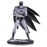 Batman - Statuette Batman Black & White by Jiro Kuwata 16 cm