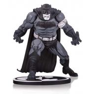 Batman - Statuette Black & White Batman by Klaus Janson 25 cm