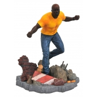 Marvel The Defenders - Statuette Luke Cage 23 cm