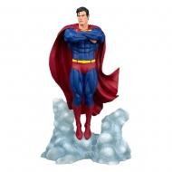 DC Comic Gallery - Statuette Superman Ascendant 25 cm