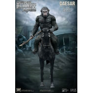 La Planète des singes : L'Affrontement - Statuette Soft Vinyl Caesar with Spear 39 cm