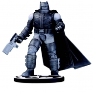 Batman Black & White - Statuette Batman by Frank Miller 18 cm